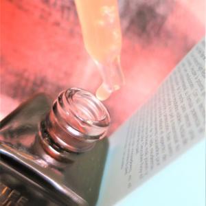 一滴のチカラ✨進化の鍵は◇中身もボトルもアップグレードした人気の美容液◆