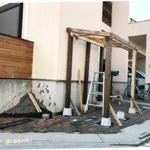 DIYで外構工事!レンガ敷きと自転車置き場①