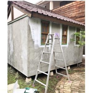 DIYで作業小屋♪モルタル外壁の下地塗り