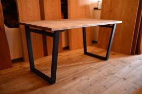 アンティーク仕上の天板×アイアン脚テーブルとクリのオイル仕上げの天板完成!