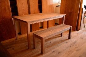 無垢クリ材のアンティーク仕上げテーブル&ベンチセット完成!チェア製作