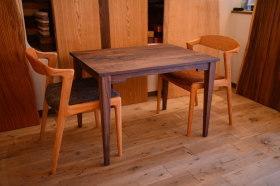 無垢チェリーテーブルチェアセットとウォールナットテーブル完成!