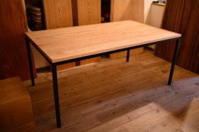 無垢(クリ材)×一体型アイアン脚テーブルとチェリー焼き印コースター完成