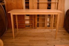 ハイタイプでマットウレタン仕上げの無垢テーブル完成!