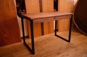 無垢ウォールナット×アイアン脚テーブルと国産広葉樹クリのスツール完成!