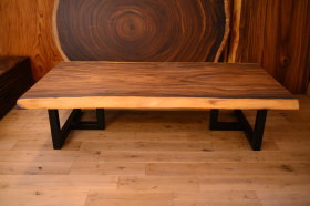 モンキーポッド一枚板×アイアン脚を使ったローテーブル完成&家具出荷ラッシュ!