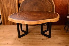 滅多に仕上がらない!超巨大輪切り(モンキーポッド)×アイアン脚テーブル完成!