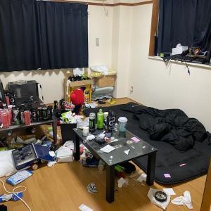 散らかったお部屋のお片付け(ビフォーアフター)名古屋市中心にお部屋清掃