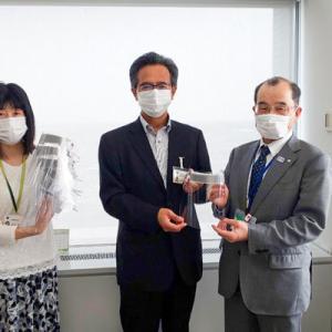 土浦産業学院ではフェイスシールド700個を茨城県へ寄贈しました。