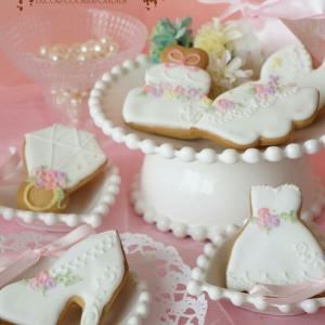 純白のアイシングクッキーアソート