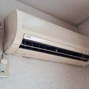 エアコン配管が壁埋設