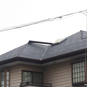 屋根の板金が剥がれ・飛ぶ場合もあります。
