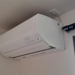 ご新築のお客様からのエアコン工事依頼を頂きました。