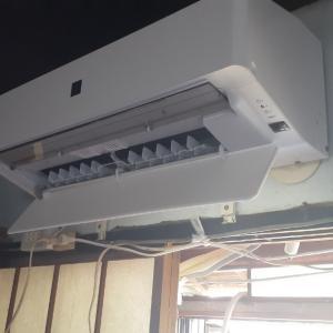 エアコンの配管が結露、、、
