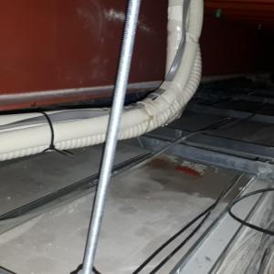 エアコンからの水漏れ、、、