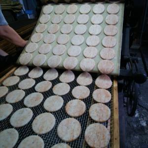 ☆煎餅製造のお手伝い