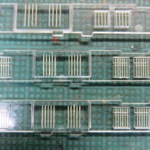そして、仕上げる KATO#10-1182飯田線荷物電車の色差し(その4)