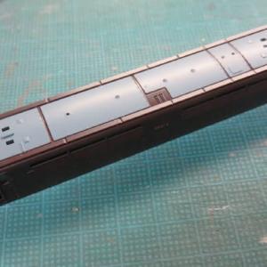 ねずみ色を塗り直す ジャンク品 マイクロエースEF61形の再生(その2)