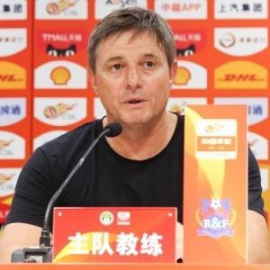 広州富力のストイコビッチ監督、不適切発言で3試合停止か…所属DFが代表選出し「BチームかCチームかわからない」
