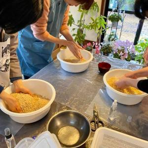 こだわりのお味噌作り教室開催しました。