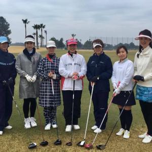 女子ゴルフ部でラウンド