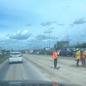 ホアヒンからバンコクへの帰り道は必ず渋滞する…ので気を付けな。