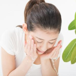お肌の丈夫さは洗顔の仕方次第⁈たるみの原因を作る洗顔法とは?お肌を潤す正しい洗い方、大公開!