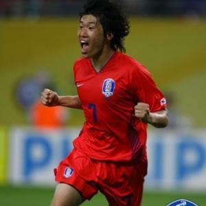 韓国メディア:ある日本ネチズンがアジアのW杯英雄「総合1位」パク・チソンに度を越えた妄言