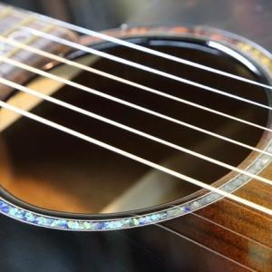 まこオカリナさんへカスタムギターの納品
