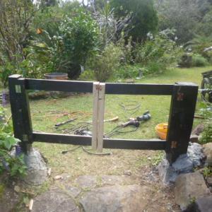 庭の出入口扉完成   27日