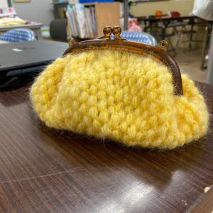 玉編みのポーチ 毛糸2玉バージョン