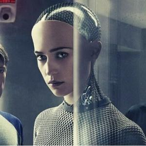 映画 エクス・マキナ(2015) 美人ロボットが見れます