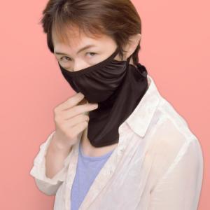 ママンがマスクを買ってきました。