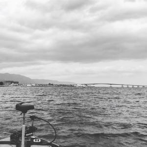 ①昨日の琵琶湖は寒の戻り
