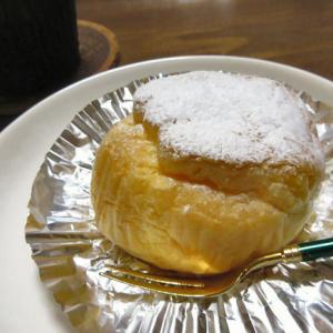 フレッシュで滑らかクリームな♪「レストラン・カツヌマのシュークリーム」
