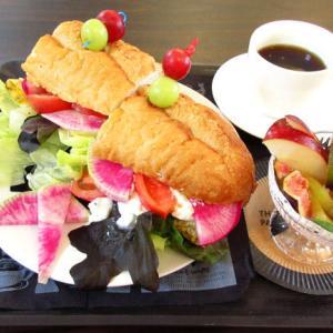 彩りがきれい♪「RABBIT CAFÉ」さんのサンドイッチ♪