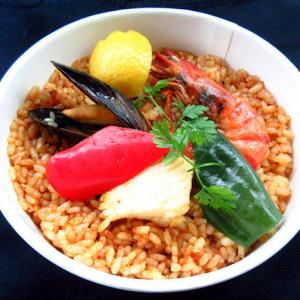プレ葉deマルシェでゲットした「スペイン厨房 tio akira」のパエリア