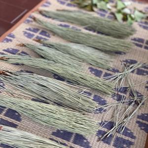 松の葉の粉末で作る松の葉カレー♡