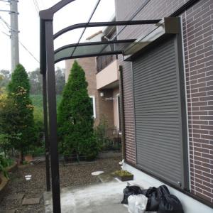テラス屋根取替 ~ 台風被害で破損しました。