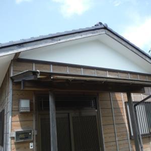 台風で被害を受けた軒天 ~  軒天の張替終了です。