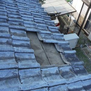 瓦屋根と戸袋 ~ 補修箇所は。