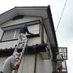 瓦屋根と戸袋 ~ 工事終了です。