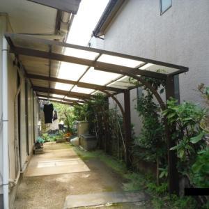 フェンス、カーポート、物置 ~  カーポート屋根材取替。