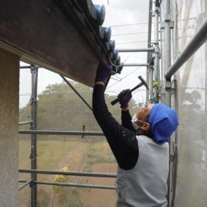 外壁塗替えとメンテナンス。 ~ 雨樋取替とケレン。