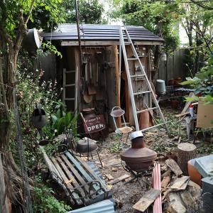 小屋の屋根をふき替えています⑦!