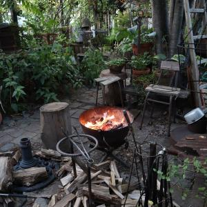 焚き付けと木っ端で焚火をすると・・