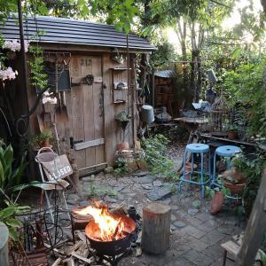 ガーデンシェッドと焚き火は・・・