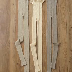 「マリーコットンシルク リブスパッツ」黒も編み上がって参ります。