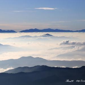 白く輝く雲海