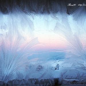 霜の華咲く窓辺
